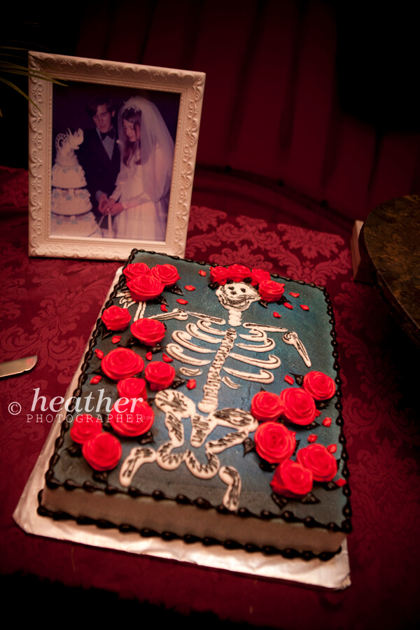Grateful Dead groom's cake